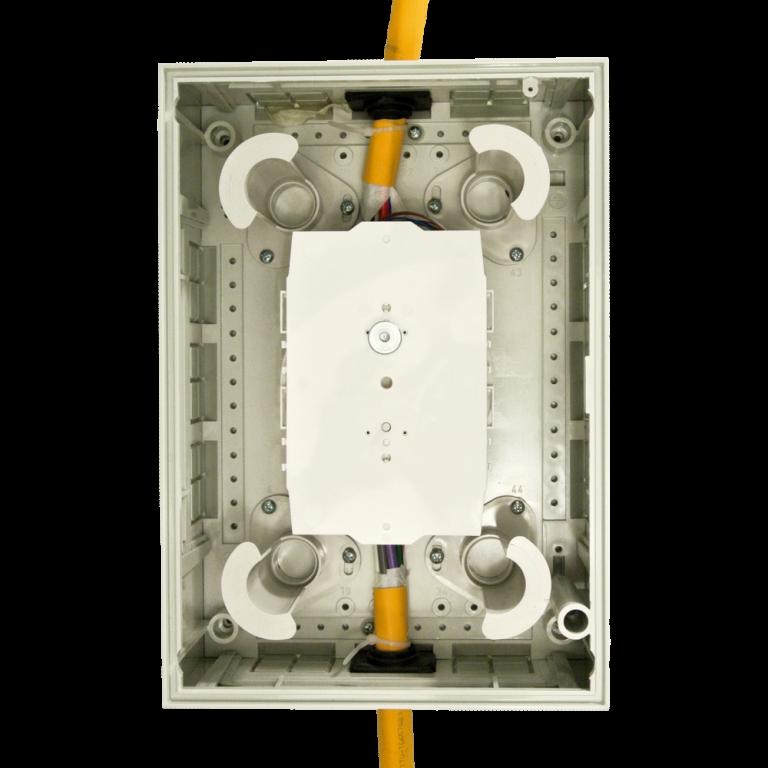 Televes ref. 231302 prolazna optička kutija za do 24 spoja, pogled iznutra